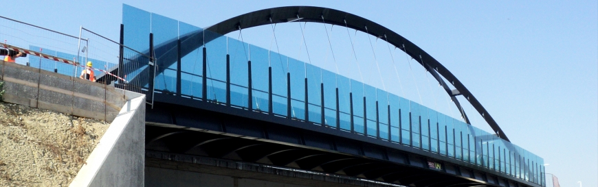 Footbridge over A-27 highway