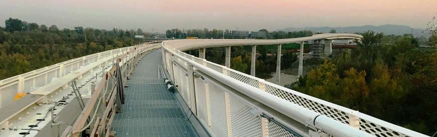 Fast monorail PEOPLE MOVER in Bologna